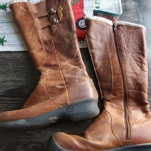 KEEN Distressed Brown Boots